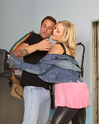Alexis Texas plays Kelly in this hot fucking scene in the ga...